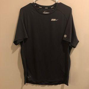 Nike run Dri-Fit t shirt black and gray